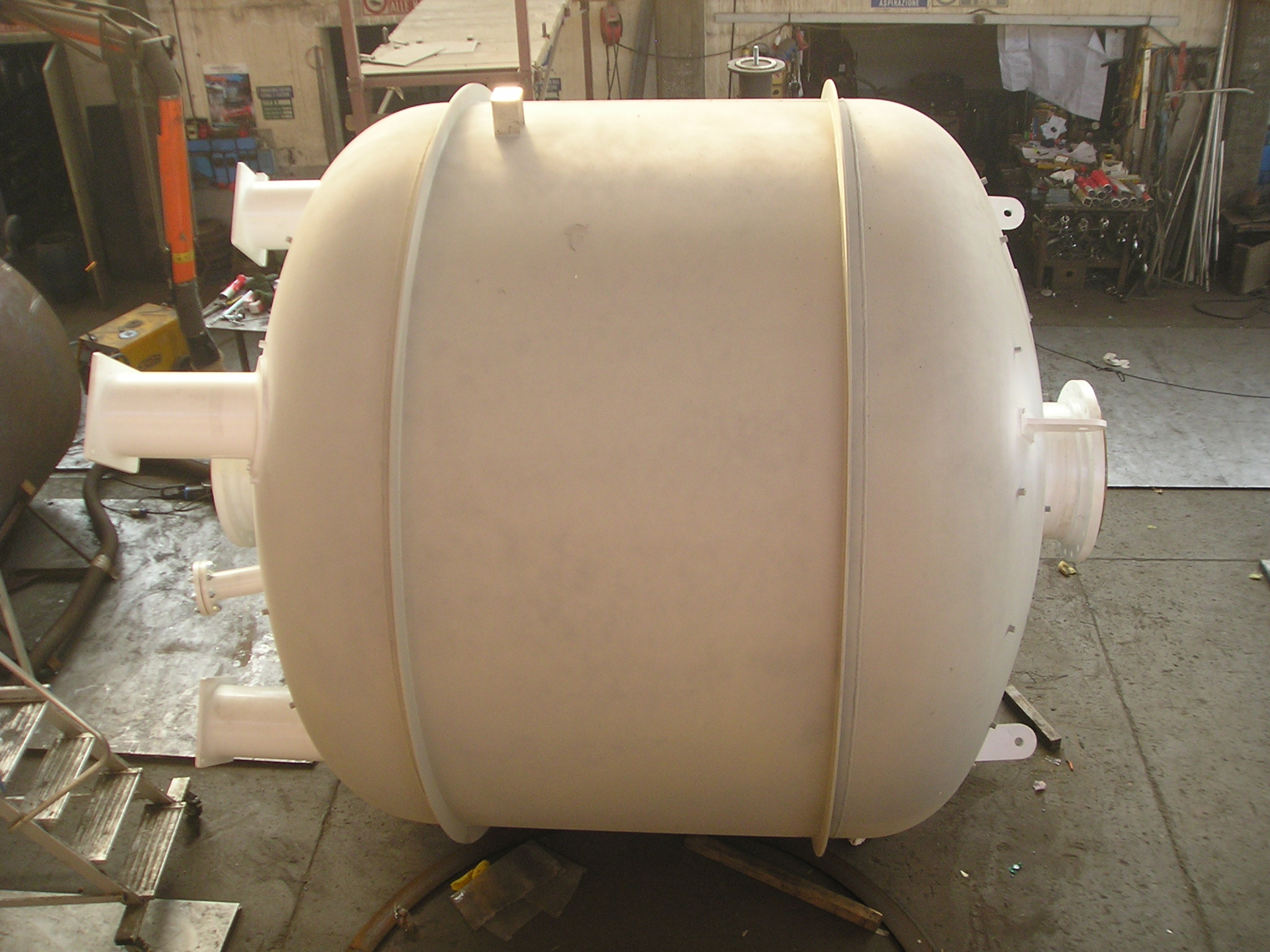 Barili prepurificatori aria/azoto DN 3200 da 22000 L in P355 NH (UNI ...